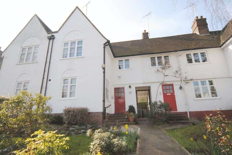 2 Bedrooms Cottage House for sale in Wordsworth Walk, Hampstead Garden Suburb, NW11