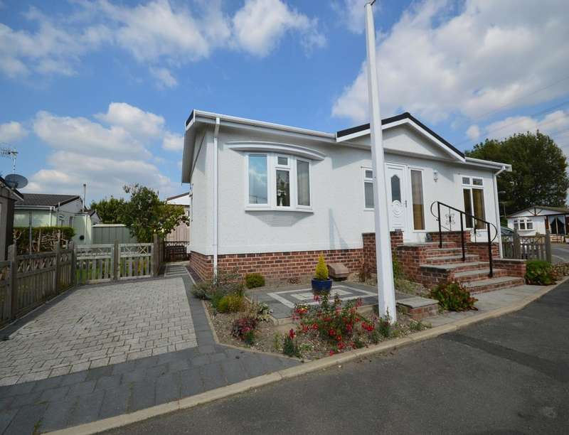 2 Bedrooms Bungalow for sale in Riverdale Park Bent Lane, Staveley, Chesterfield, S43