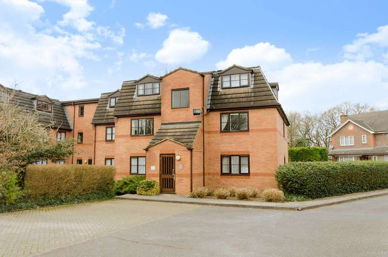 1 Bedroom Flat for sale in Gladbeck Way, Enfield, EN2