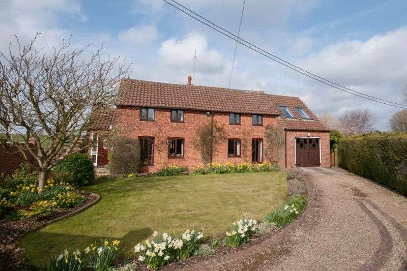 4 Bedrooms Detached House for sale in Weasenham, Norfolk