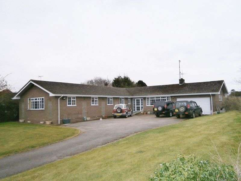 4 Bedrooms Detached Bungalow for sale in Twyning, North Gloucesterhire & South Worcestershire borders, GL20 6DE