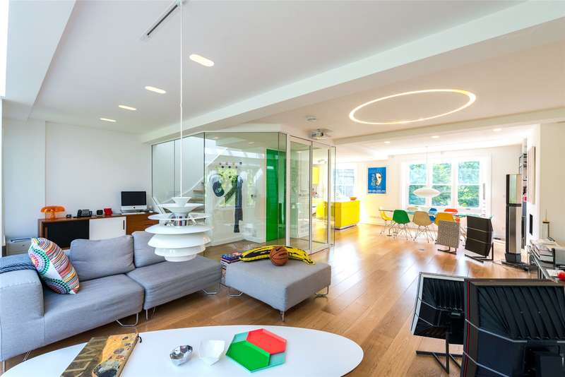 2 Bedrooms Maisonette Flat for sale in Oppidans Road, London, NW3