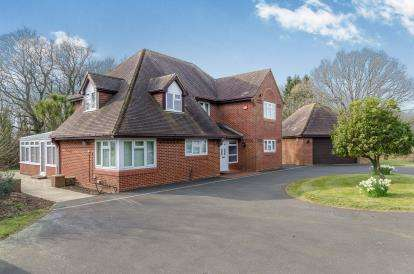 4 Bedrooms Detached House for sale in Durley, Southampton, Hampshire