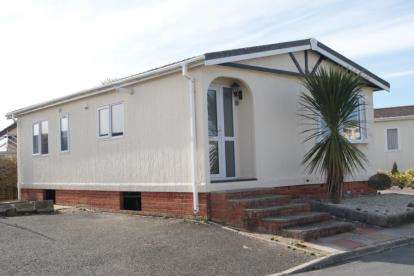 3 Bedrooms Mobile Home for sale in St Merryn Holiday Village, Padstow