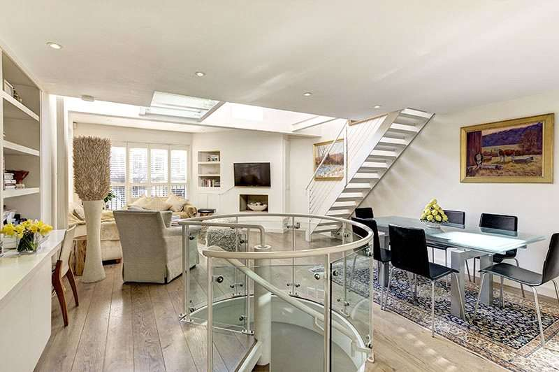 3 Bedrooms Semi Detached House for sale in Drayton Gardens, London, SW10