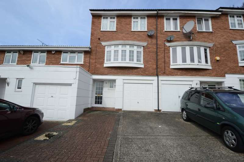 4 Bedrooms Town House for sale in Firs Avenue, London