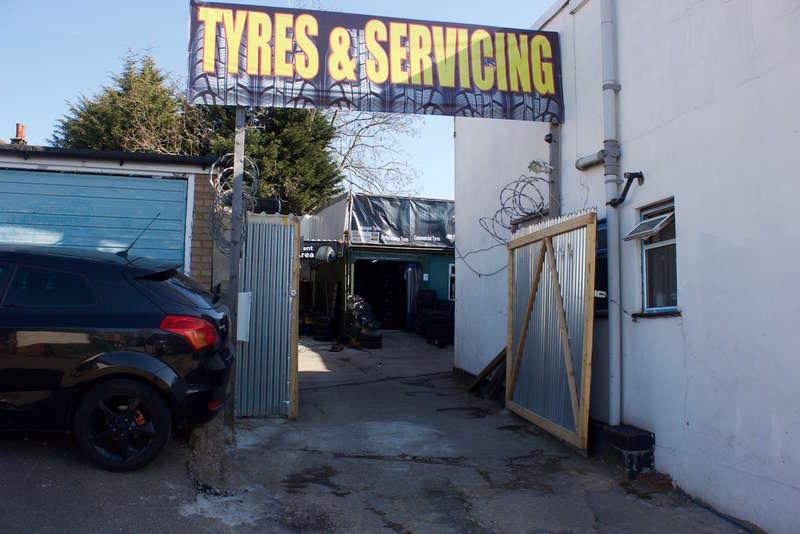 Garages Garage / Parking for sale in FREEHOLD Land with business, Kingsbury Road - NW9