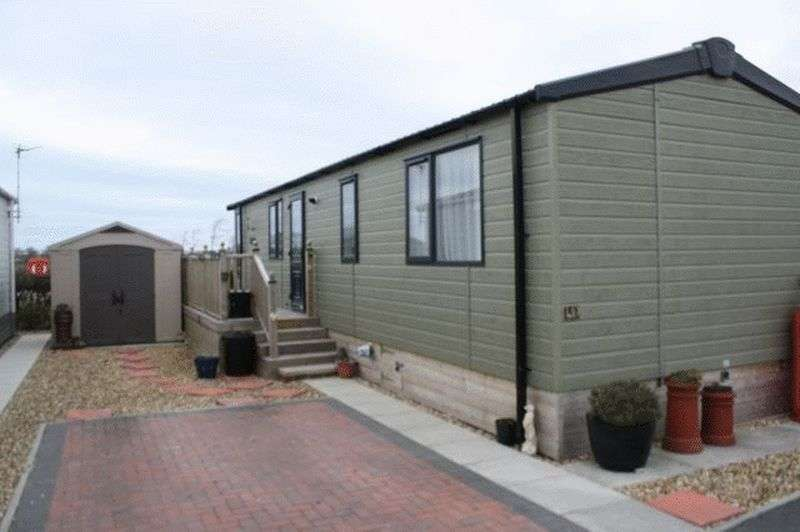 2 Bedrooms Bungalow for sale in Willowgrove Park Sandy Lane Preesall FY6 0RB