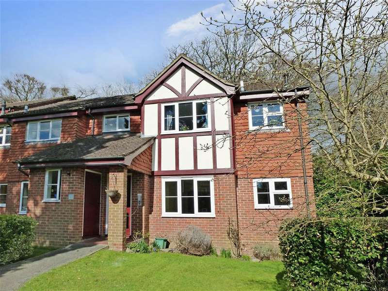1 Bedroom Flat for sale in Greycoats Drive, Crowborough, East Sussex