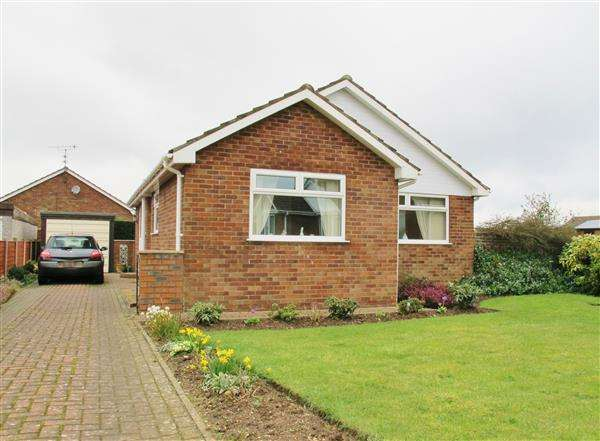 3 Bedrooms Bungalow for sale in Cedar Grove, Filey