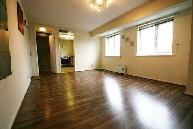 Studio Flat for sale in Redstock Close, Westhoughton, Bolton, BL5