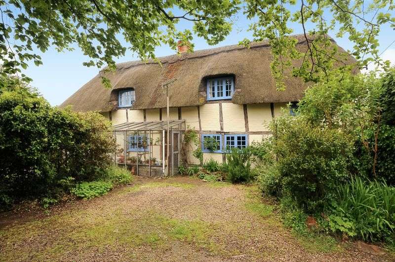 4 Bedrooms Detached House for sale in The Green, Grove, Wantage