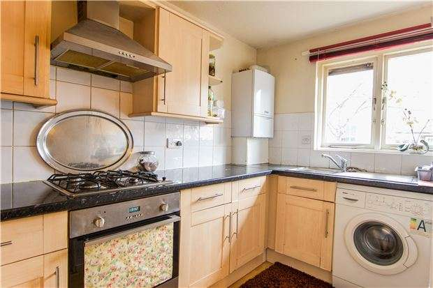 2 Bedrooms Terraced House for sale in East Road, LONDON, SW19 1AR