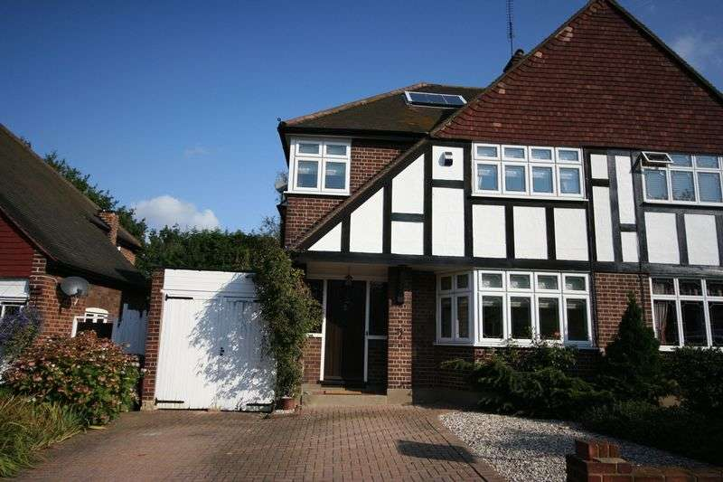 3 Bedrooms Semi Detached House for sale in Coolgardie Avenue, Chigwell