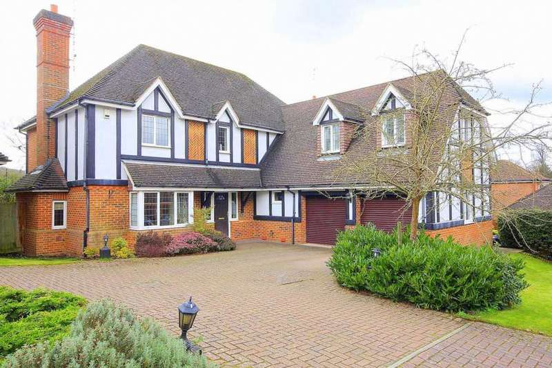 5 Bedrooms Detached House for sale in CUL DE SAC LOCATION OFF FELDEN LANE, Laurel Bank, Felden