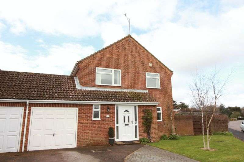 4 Bedrooms Detached House for sale in Chawkmare Coppice, Bognor Regis