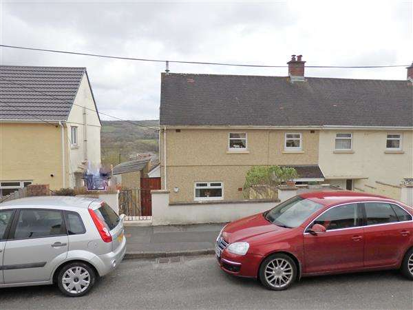 3 Bedrooms Semi Detached House for sale in Maesyfelin, PONTYBEREM, Llanelli