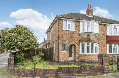 3 Bedrooms Semi Detached House for sale in Butcombe Road, Leicester