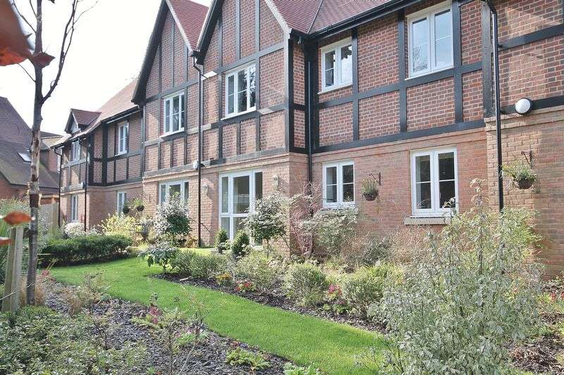 2 Bedrooms Retirement Property for sale in Meadowside, Storrington