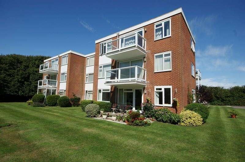 2 Bedrooms Flat for sale in Keats Avenue, Milford On Sea, Lymington