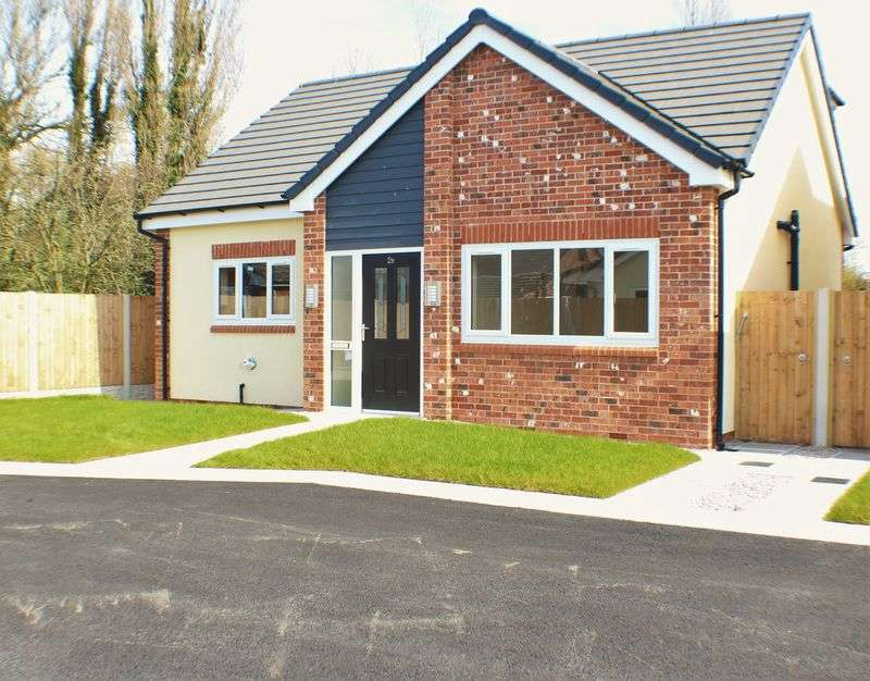 3 Bedrooms Detached House for sale in Granville Avenue, Preston