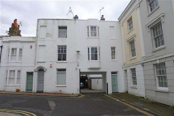 3 Bedrooms Apartment Flat for sale in Castle Street, Brighton