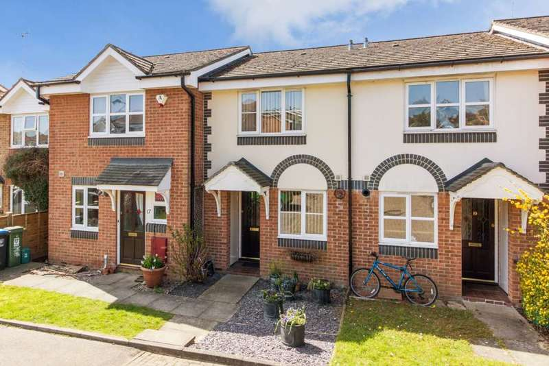 2 Bedrooms House for sale in Admiral Way, Berkhamsted