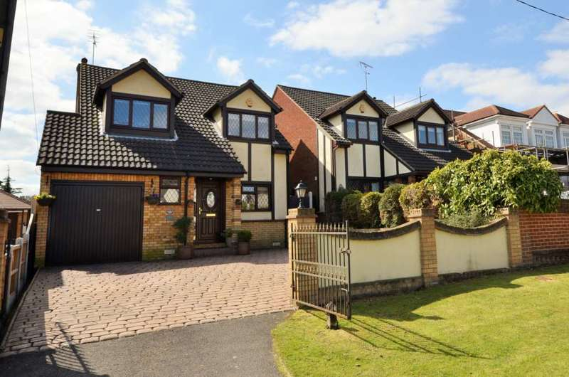 4 Bedrooms Detached House for sale in London Road, Wickford
