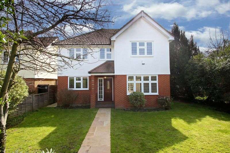 4 Bedrooms Detached House for sale in Manor Road, Chigwell