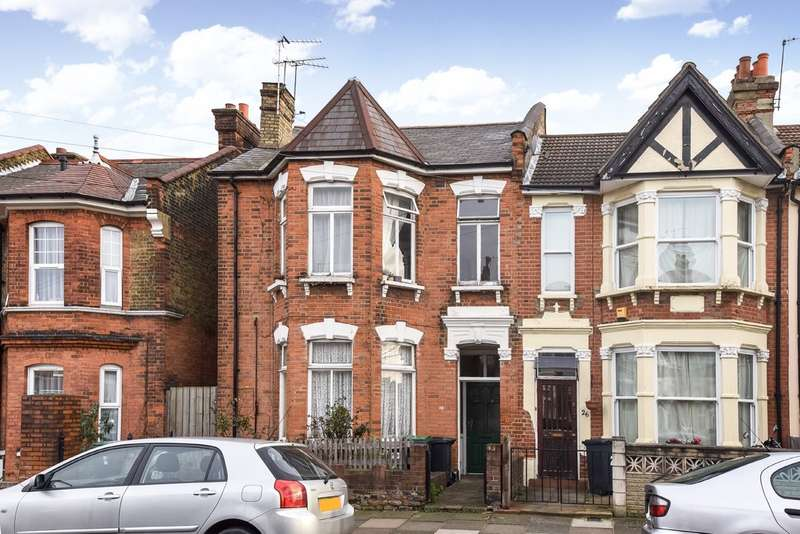 3 Bedrooms Flat for sale in Meads Road, Wood Green