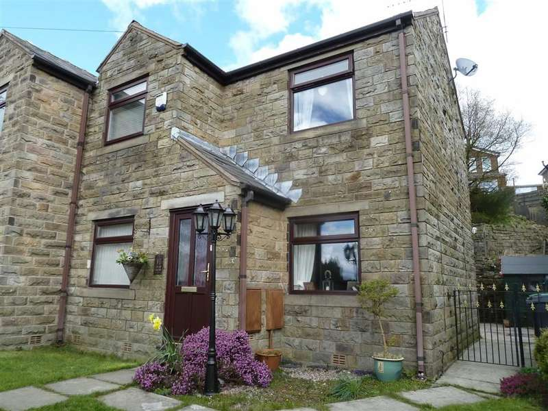 3 Bedrooms Property for sale in Old Lane, Austerlands, SADDLEWORTH, OL4