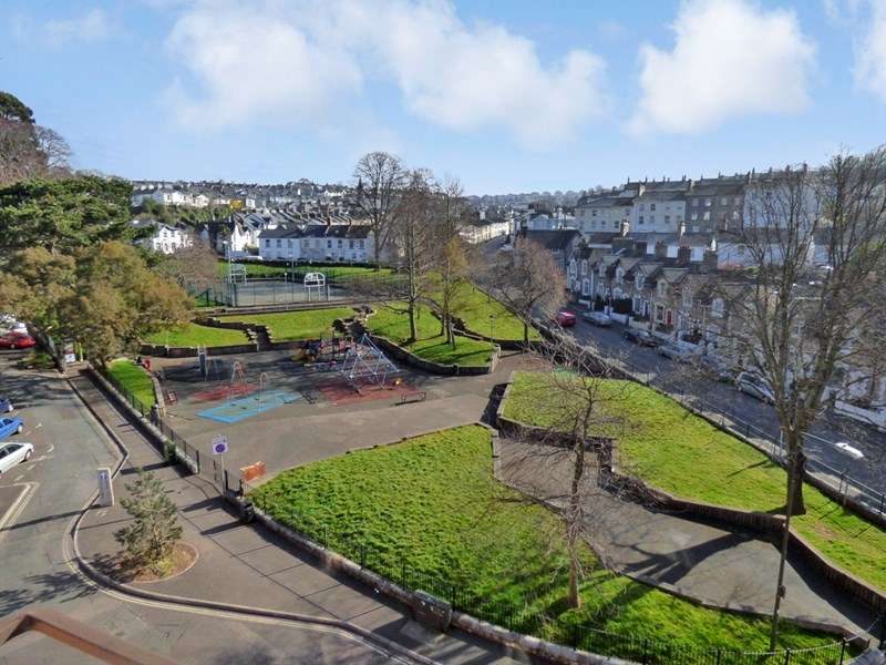 1 Bedroom Retirement Property for sale in Stratheden Court, Torquay, TQ1 3BY