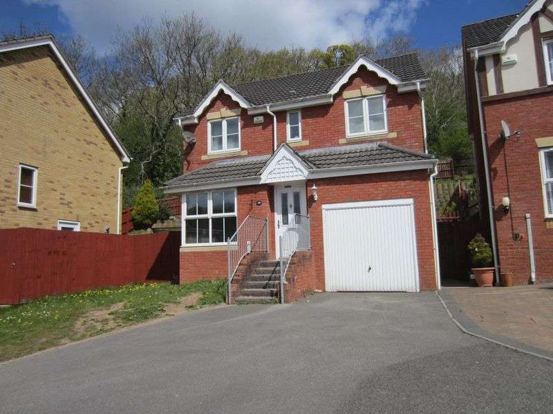 4 Bedrooms Detached House for sale in Heritage Drive Caerau Cardiff CF5 5QD
