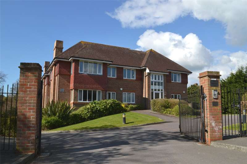 2 Bedrooms Flat for sale in Belmore House, 64 Belmore Lane, Lymington, Hampshire, SO41