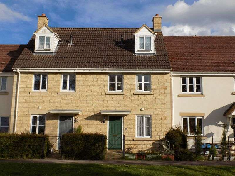 3 Bedrooms Terraced House for sale in Boatman Close, Oakhurst