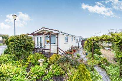 2 Bedrooms Mobile Home for sale in West Camel, Yeovil, Somerset