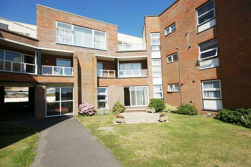 2 Bedrooms Ground Flat for sale in Camden Hurst, Milford On Sea, Lymington