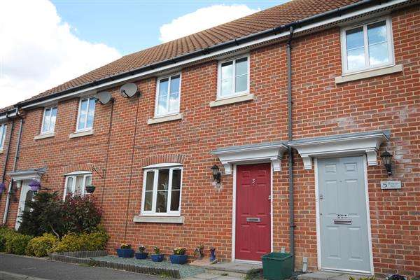 3 Bedrooms House for sale in Harpers Way, Clacton on Sea