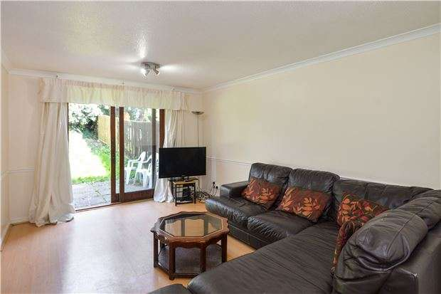 2 Bedrooms Flat for sale in Green Ridges, Headington, OXFORD, OX3 8LX