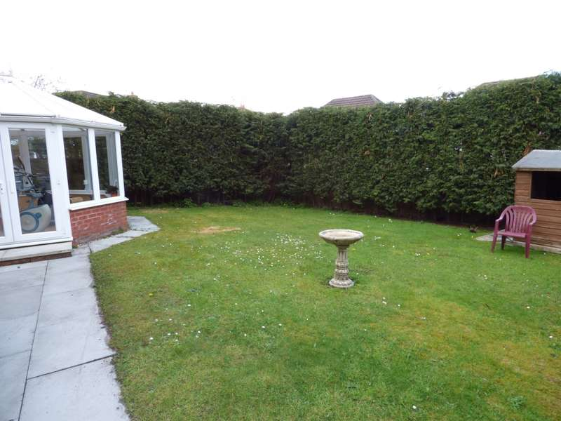 4 Bedrooms Detached House for sale in Obelisk Way, Congleton, Cheshire, CW12