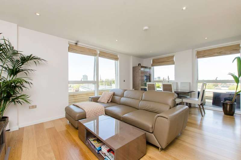2 Bedrooms Flat for sale in Malthouse Court, Brentford, TW8
