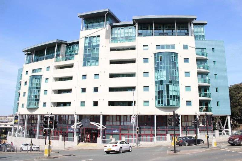 1 Bedroom Flat for sale in Ocean Crescent, The Hoe, Plymouth