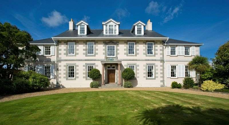 6 Bedrooms Detached House for sale in Castel, Guernsey