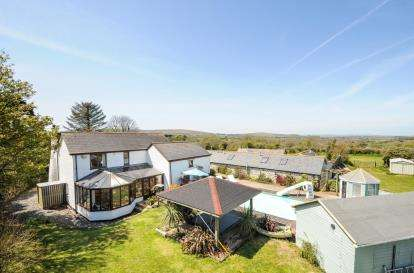 5 Bedrooms Detached House for sale in Breage, Helston, Cornwall