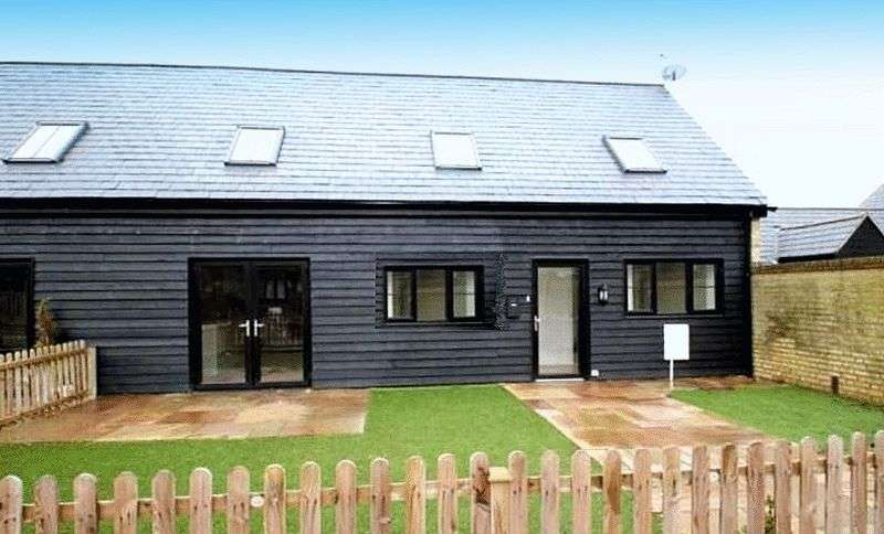 3 Bedrooms Semi Detached House for sale in 1 Vincent Farm Mews, CT9 4GS