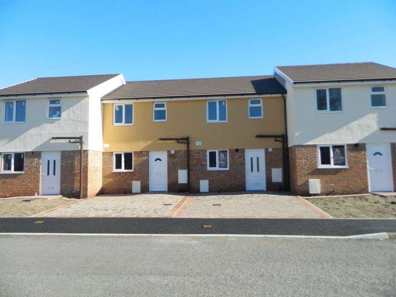 2 Bedrooms Semi Detached House for sale in Brookdale Road, RHYL