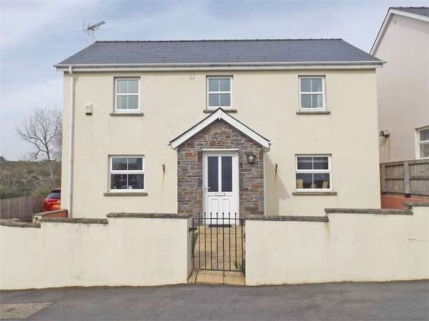 3 Bedrooms Detached House for sale in Riverside Close, Pembroke