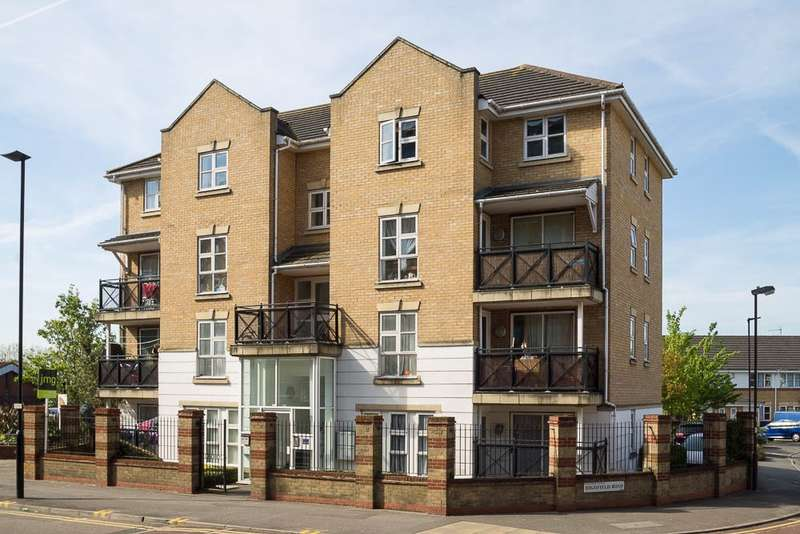 2 Bedrooms Flat for sale in Highfield Road, Feltham, TW13