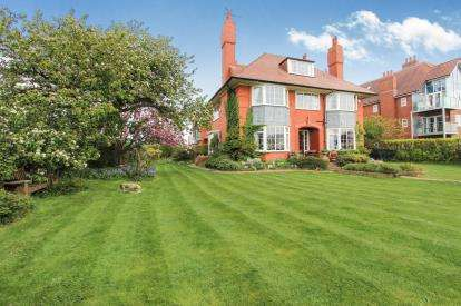 6 Bedrooms Detached House for sale in Inner Promenade, Lytham St Annes, Lancashire, England, FY8
