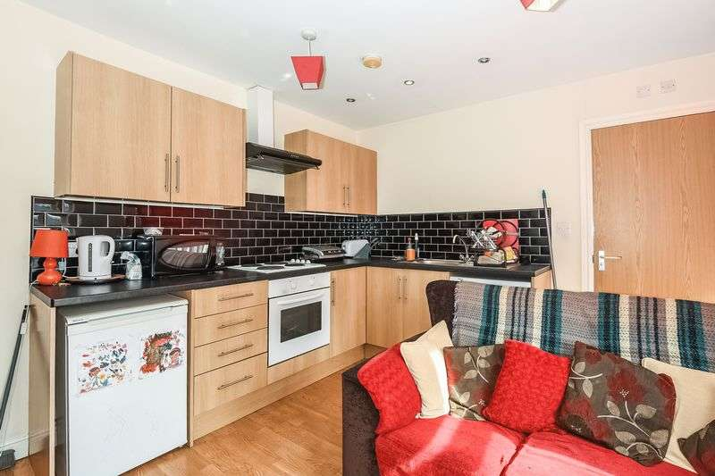 1 Bedroom Flat for sale in Upper Millgate, BD1 1SX